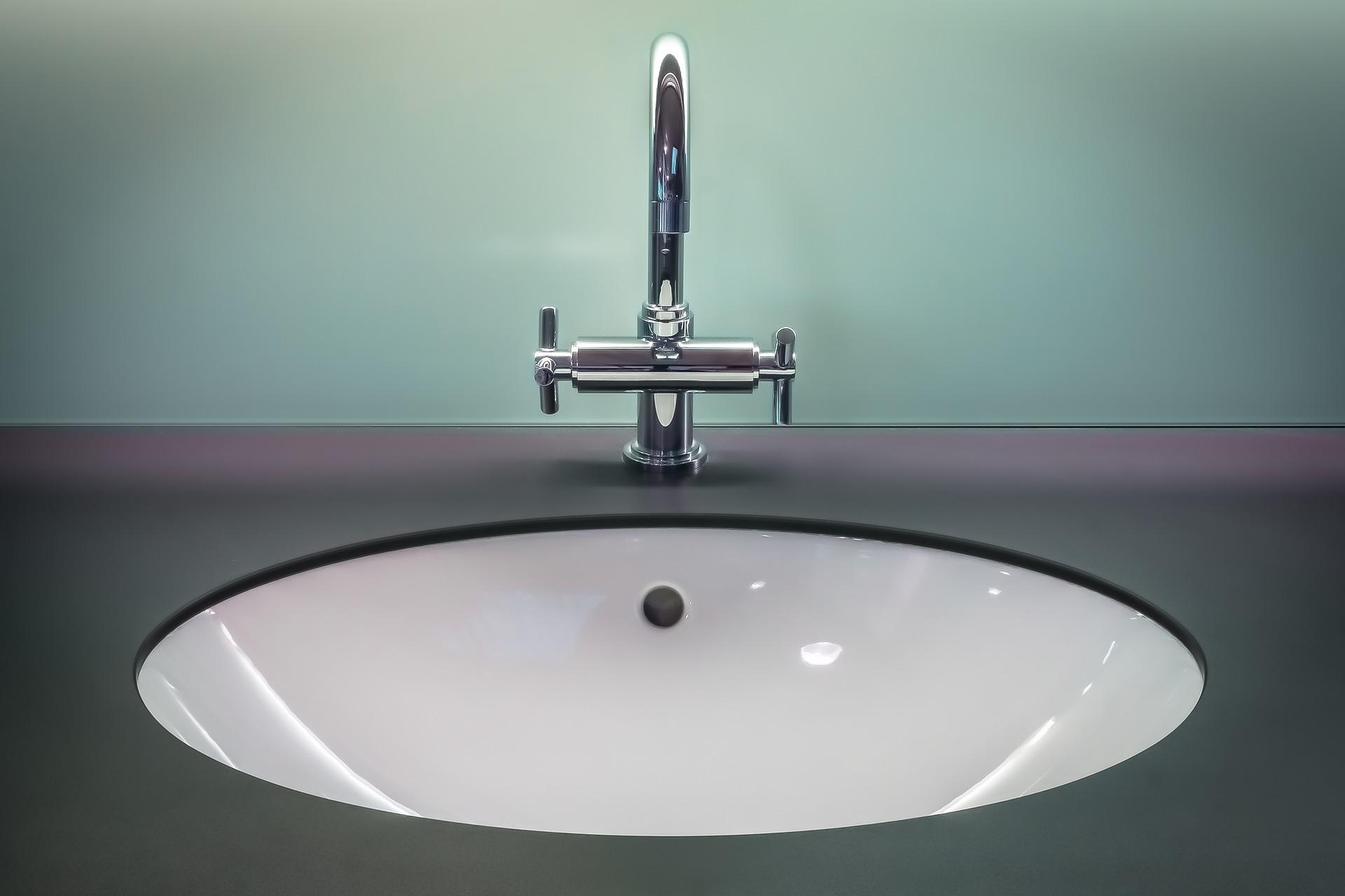 Zo maak jij de badkamer spic en span